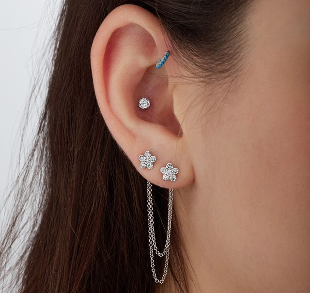 Treat an infected ear piercing