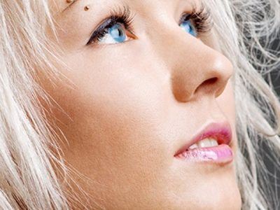 Vertical eyebrow piercing